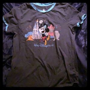 Disney Parks tee shirt sz Large